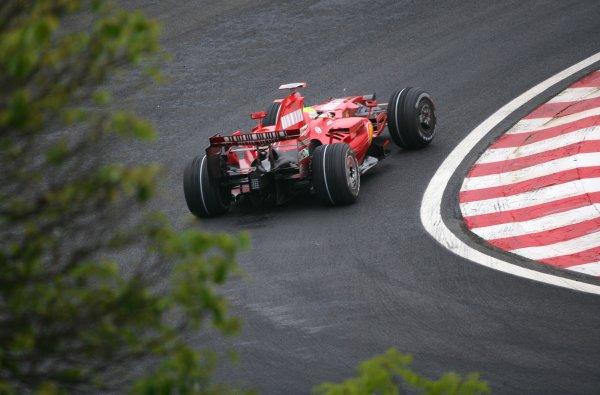 2007 Brazilian Grand Prix - Friday Practice Interlagos, Sao Paulo, Brazil 19th October 2007. Felipe Massa, Ferrari F2007. Action.  World Copyright: Steve Etherington/LAT Photographic ref: Digital Image WI2T8172