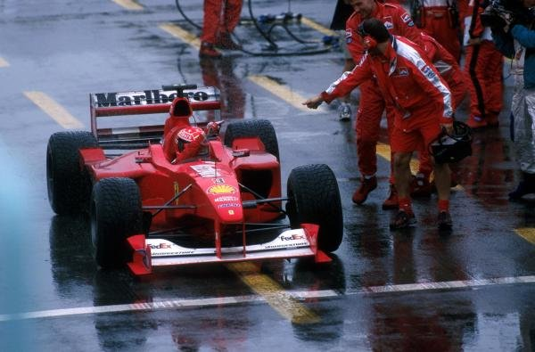 Winner Michael Schumacher(GER) Ferrari F1 2000