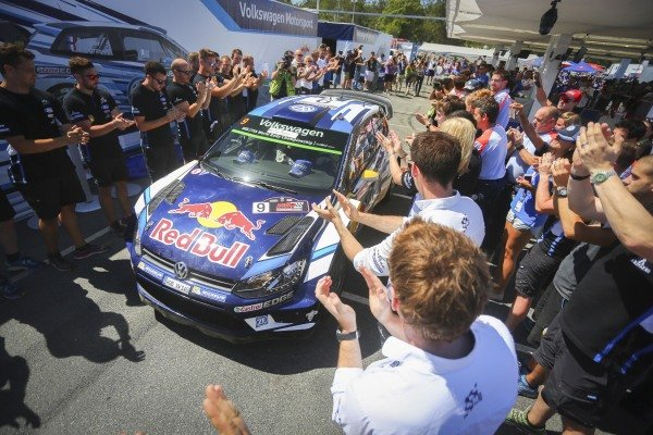 Rally winners Andreas Mikkelsen (NOR) / Anders Jaeger Synnevag (NOR), Volkswagen Motorsport II Polo R WRC at FIA World Rally Championship, Rd13, Rally Australia, Day Three, Coffs Harbour, New South Wales, Australia, 20 November 2016.