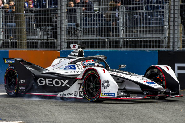 Jose Maria Lopez (ARG), GEOX Dragon Racing, Penske EV-3, locks up a tyre