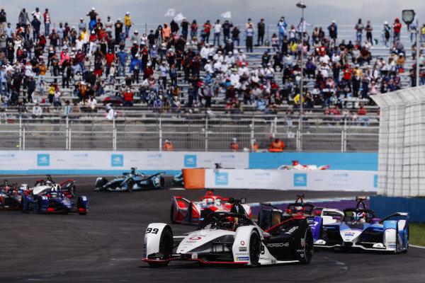 Pascal Wehrlein (DEU), Tag Heuer Porsche, Porsche 99X Electric, leads Jake Dennis (GBR), BMW I Andretti Motorsport, BMW iFE.21, and Jean-Eric Vergne (FRA), DS Techeetah, DS E-Tense FE21