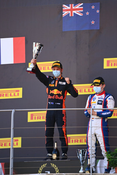 Liam Lawson (NZL, HITECH GRAND PRIX) and David Beckmann (DEU, TRIDENT) celebrate on the podium