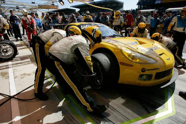 2005 Le Mans 24 HoursLe Mans, France. 17th - 18th JuneOliver Gavin (GB)/Olivier Beretta (MC)/Jan Magnussen (DK) (no 64 Chevrolet Corvette C6R, Corvette Racing/Pratt & Miller) enters the pits for a driver change. Action. World Copyright: Peter Spinney/LAT Photographic Ref: Digital image only.