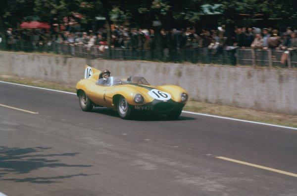 1957 Le Mans 24 hours. Le Mans, France. 22-23 June 1957. Paul Frere/Freddy Rousselle (Jaguar D-type), 4th position. World Copyright: LAT Photographic Ref: 57LM14