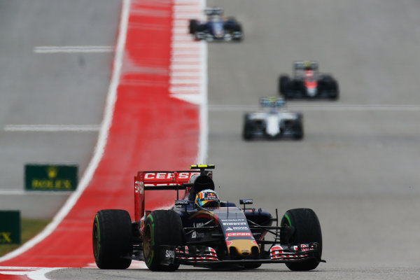 Circuit of the Americas, Austin, Texas, United States of America. Sunday 25 October 2015. Carlos Sainz Jr, Toro Rosso STR10 Renault. World Copyright: Alastair Staley/LAT Photographic. ref: Digital Image _R6T5003