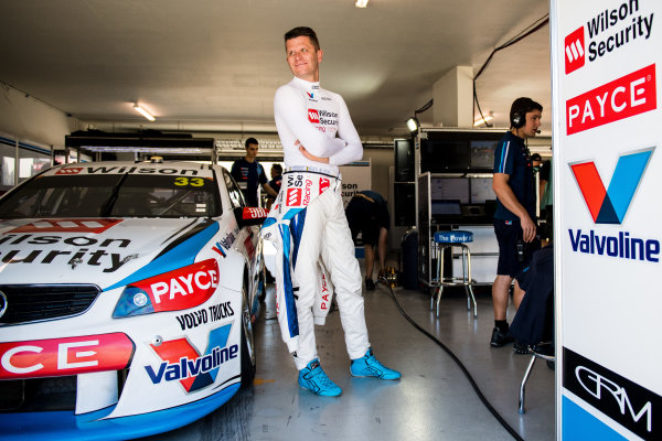 2017 Supercars Championship Round 4.  Perth SuperSprint, Barbagallo Raceway, Western Australia, Australia. Friday May 5th to Sunday May 7th 2017. Garth Tander driver of the #33 Wilson Security Racing Holden Commodore VF. World Copyright: Daniel Kalisz/LAT Images Ref: Digital Image 050517_VASCR4_DKIMG_0310.JPG