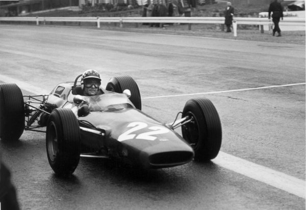 1965 Belgian Grand Prix.Spa-Francorchamps, Belgium. 11-13 June 1965.Innes Ireland, Lotus 25, 13th position, action.World Copyright - LAT Photographicref: 1053#6a