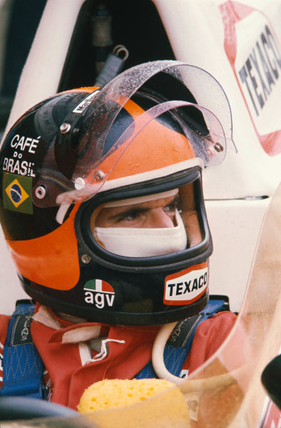 1974 Dutch Grand Prix. Zandvoort, Holland. 21st - 23rd June 1974. Emerson Fittipaldi (McLaren M23-Ford), 3rd position, portrait.  World Copyright: LAT Photographic.