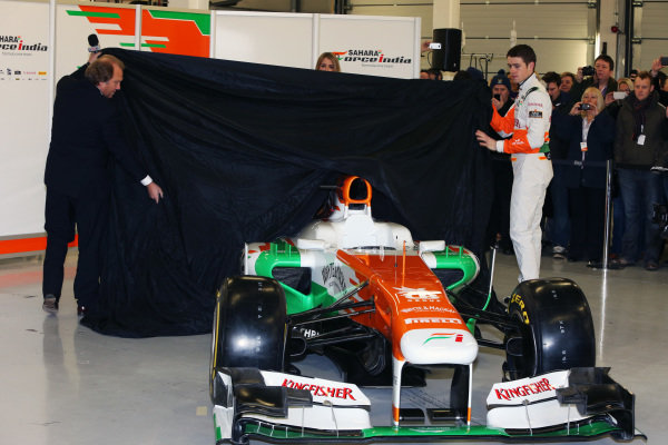 (L to R): Robert Fearnley (GBR) Force India F1 Team and Paul di Resta (GBR) Force India F1 unveil the Force India VJM06. Force India VJM06 Launch, Silverstone, England, 1 February 2013.
