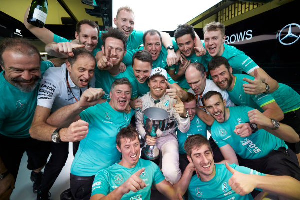 Interlagos, Sao Paulo, Brazil. Sunday 15 November 2015. Nico Rosberg, Mercedes AMG, 1st Position, and the Mercedes team celebrate victory. World Copyright: Steve Etherington/LAT Photographic ref: Digital Image SNE13191