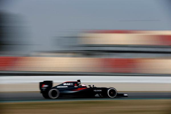 Circuit de Catalunya, Barcelona, Spain Monday 22 February 2016. Jenson Button, McLaren MP4-31 Honda. World Copyright: Glenn Dunbar/LAT Photographic ref: Digital Image _89P4154