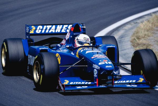 1995 Hungarian Grand Prix.Hungaroring, Hungary. 11-13 August 1995.Martin Brundle (Ligier JS41 Mugen Honda).Ref-95 HUN 28.World Copyright - LAT Photographic