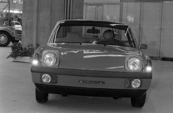 Porsche 914 showing lights in operation.