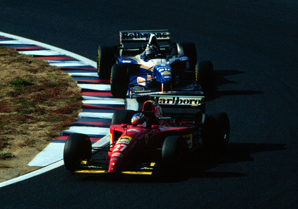 1995 Pacific Grand Prix.Tanaka International, Aida, Japan.20-22 October 1995.Jean Alesi (Ferrari 412T2) leads Damon Hill (Williams FW17B Renault). They finished in 5th and 3rd positions respectively.World Copyright - LAT Photographic