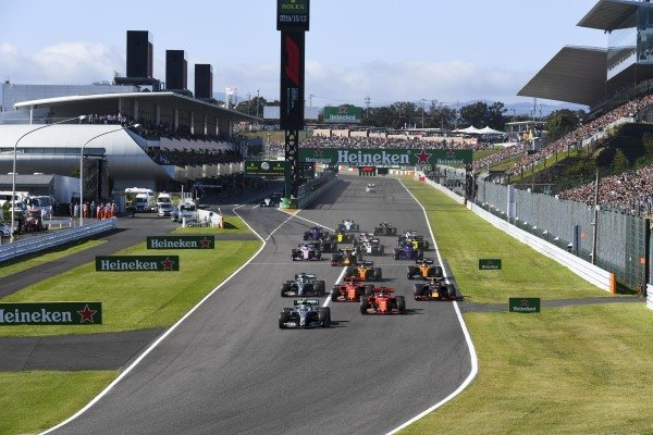 Valtteri Bottas, Mercedes AMG W10 leads Sebastian Vettel, Ferrari SF90Charles Leclerc, Ferrari SF90, Lewis Hamilton, Mercedes AMG F1 W10 and Max Verstappen, Red Bull Racing RB15 at the start of the race