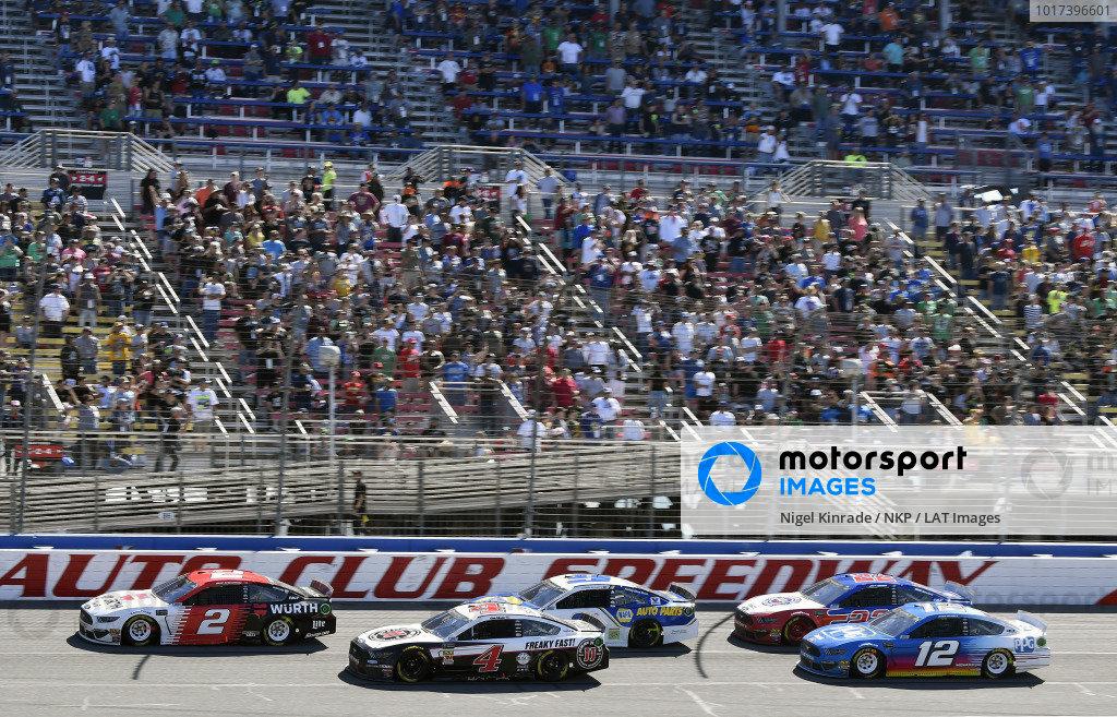#2: Brad Keselowski, Team Penske, Ford Mustang Wurth and #4: Kevin Harvick, Stewart-Haas Racing, Ford Mustang Jimmy John's
