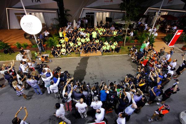 Marina Bay Circuit, Singapore. Sunday 22nd September 2013.  Red Bull Racing celebration team photo.  World Copyright: Jed Leicester/LAT Photographic. ref: Digital Image _JED3123