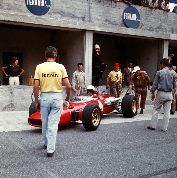 Monza, Italy. 2-4 September 1966.Michael Parkes (Ferrari 312) in the pits.Ref-3/2354.World Copyright - LAT Photographic