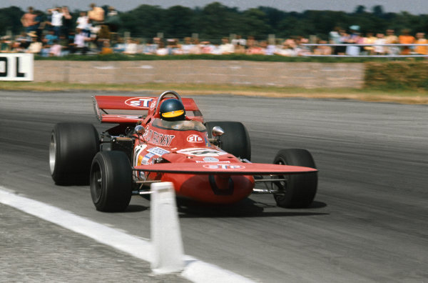 Silverstone, Great Britain. 15-17 July 1971.  Ronnie Peterson (March 711-Ford), 2nd position. World Copyright: LAT Photographic. Ref: 71GB02.