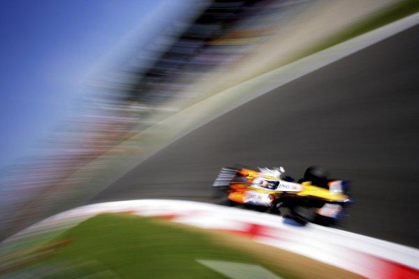 2007 Italian Grand PrixAutodromo di Monza, Monza, Italy.7th - 9th September 2007.Heikki Kovalainen, Renault R27. Action.World Copyright: Lorenzo Bellanca/LAT Photographicref: Digital Image ZD2J8698