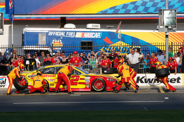 Monster Energy NASCAR Cup Series Monster Energy NASCAR All-Star Race Charlotte Motor Speedway, Concord, NC USA Friday 19 May 2017 Joey Logano, Team Penske, Shell Pennzoil Ford Fusion World Copyright: Matthew T. Thacker LAT Images ref: Digital Image 17CLT1mt1430