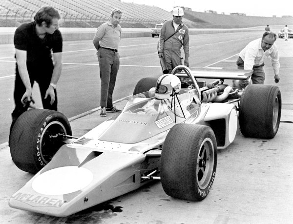 1970s Indycar testing.Ontario Speedway, California, United States.Teddy Mayer watches Denny Hulme in the McLaren M16.World Copyright: LAT Photographicref: b&w print