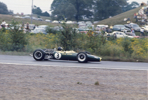 Mosport Park, Ontario, Canada. 25 - 27 August 1967.Jim Clark (Lotus 49-Ford), retired, action. World Copyright: LAT Photographic.Ref:  67CAN15