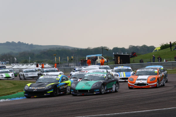 2017 Ginetta GT5 Championship Thruxton, 6th-7th May 2017,  Start of the race - Ollie Chadwick and Nick Zapolski lead World copyright. JEP/LAT Images