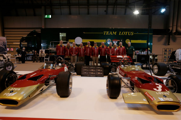 Autosport International Exhibition. National Exhibition Centre, Birmingham, UK. Thursday 12 January 2017. Former Team Lotus staff, including Herbie Blash and Clive Chapman, gather behind the Lotus 49 display. World Copyright: Joe Portlock/LAT Photographic. Ref: _14P1819