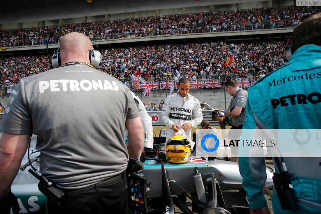 Shanghai International Circuit, Shanghai, China Sunday 14th April 2013 Lewis Hamilton, Mercedes AMG, on the grid. World Copyright: Steven Tee/LAT Photographic ref: Digital Image _L0U0116