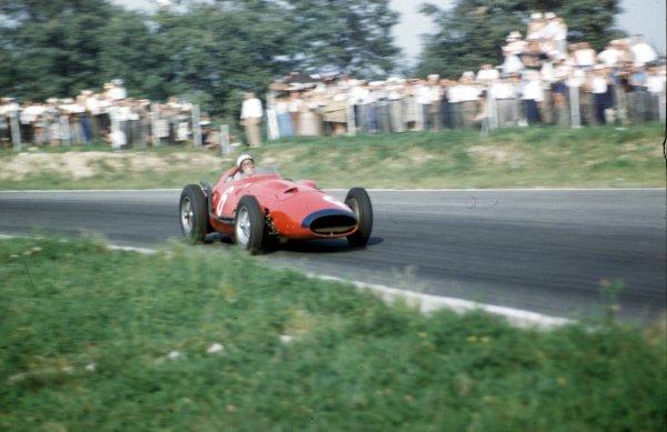 1957 Italian Grand Prix.Monza, Italy.6-8 September 1957.Jean Behra (Maserati 250F V12).Ref-57 ITA 07.World Copyright - LAT Photographic