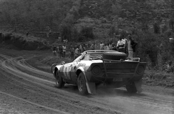 Björn Waldegård / Hans Thorszelius, Lancia Stratos HF.