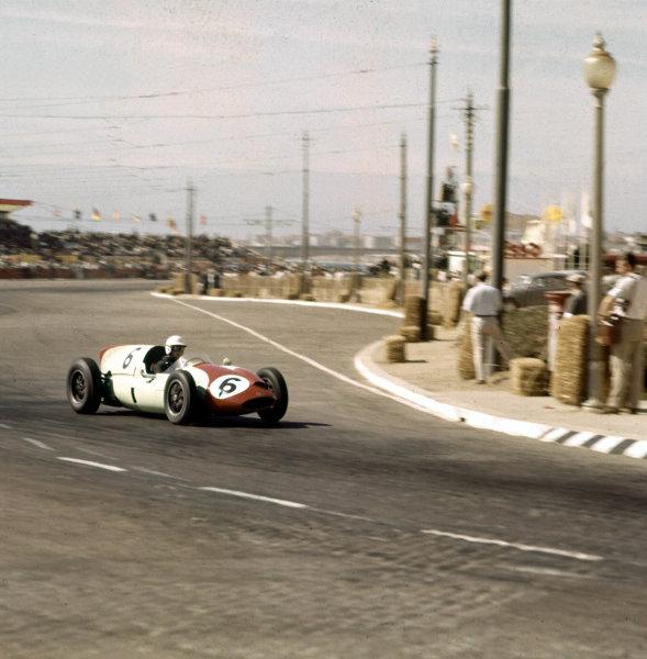 1960 Portuguese Grand Prix.Porto, Portugal.12-14 August 1960.Tony Brooks (Cooper T51 Climax) 5th position.Ref-3/0201.World Copyright - LAT Photographic