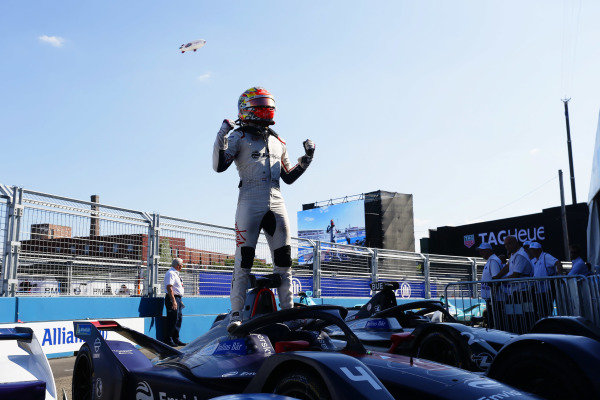 Robin Frijns (NLD), Envision Virgin Racing, Audi e-tron FE05, celebrates in Parc Ferme after winning the race