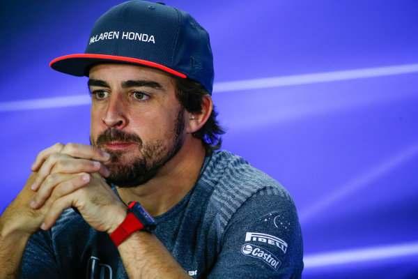 Yas Marina Circuit, Abu Dhabi, United Arab Emirates. Thursday 23 November 2017. Fernando Alonso, McLaren, in the drivers press conference. World Copyright: Andy Hone/LAT Images  ref: Digital Image _ONY9814