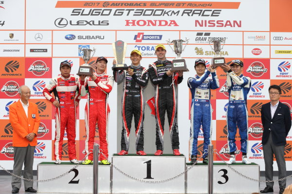 2017 Japanese Super GT Series. Sugo, Japan. 22nd - 23rd July 2017. Rd 4. GT300 Winner Katsuyuki Hiranaka & Bjorn Wirdheim ( #11 GAINER TANAX AMG GT3 ) 2nd position Akihiro Tsuzuki & Morio Nitta ( #50 Ferrari 488 GT3 ) 3rd position Takamitsu Matsui & Kenta Yamashita ( #25 VivaC 86 MC ) podium portrait World Copyright: Yasushi Ishihara / LAT Images. Ref: 2017SGT_Rd4_012