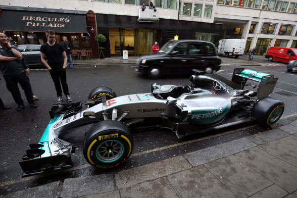 2015 British Racing Drivers Club Awards Grand Connaught Rooms, London Monday 7th December 2015 Lewis Hamilton's F1 Mercedes in the street outside the venue. World Copyright: Jakob Ebrey/LAT Photographic ref: Digital Image Mercedes-02
