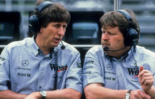 1998 Brazilian Grand Prix. Interlagos, Sao Paulo, Brazil. 27th - 29th March 1998.  Mario Illien (Ilmor Engineering) with Norbert Haug (Daimler-Benz Motorsport). World Copyright: LAT Images.