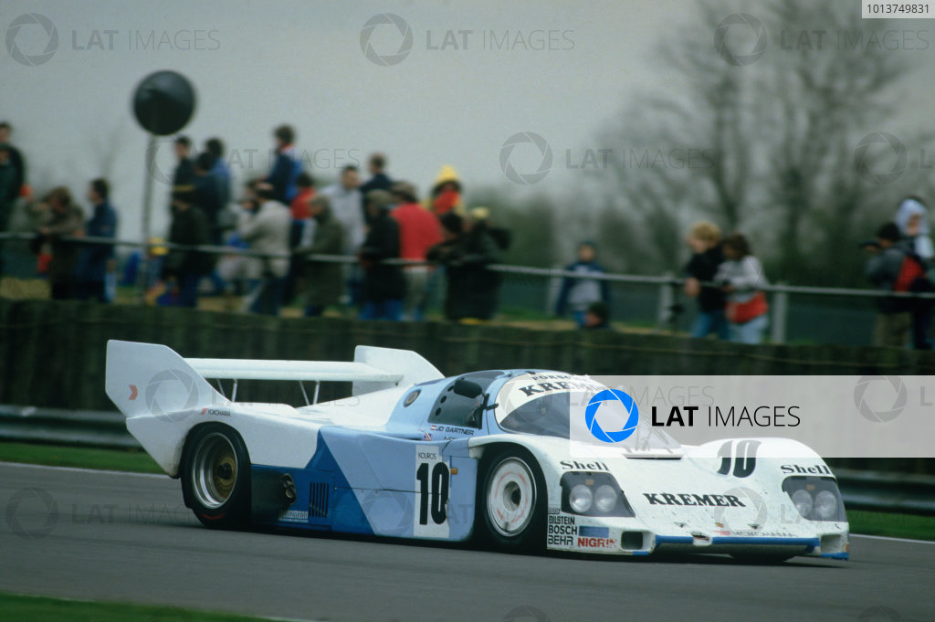 Silverstone, England. 4th May 1986. Rd 2.Jo Gartner/Tiff Needell (Porsche 962C), 3rd position, action. World Copyright: LAT Photographic.Ref:  86SIL02