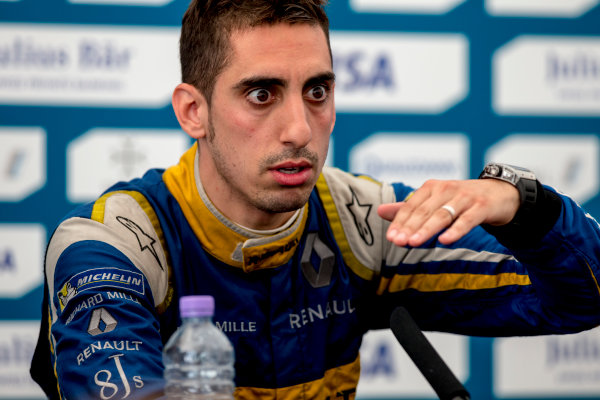 2015/2016 FIA Formula E Championship. London ePrix, Battersea Park, London, United Kingdom. Sunday 3 July 2016. Sebastien Buemi (SUI), Renault e.Dams Z.E.15  Photo: Zak Mauger/LAT/Formula E ref: Digital Image _79P3224