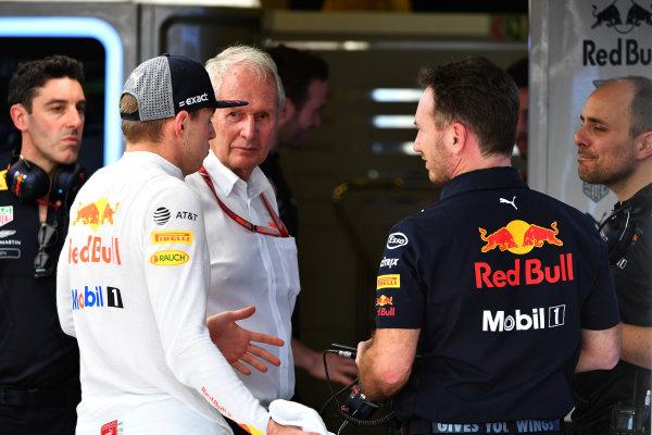 Max Verstappen (NED) Red Bull Racing, Dr Helmut Marko (AUT) Red Bull Motorsport Consultant and Christian Horner (GBR) Red Bull Racing Team Principal