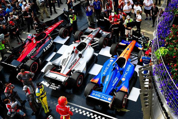 Scott Dixon, Chip Ganassi Racing Honda, Will Power, Team Penske Chevrolet, Robert Wickens, Schmidt Peterson Motorsports Honda, victory lane