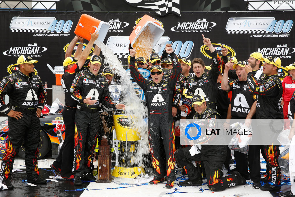 15-17 August, 2014, Brooklyn, Michigan USA Winner Jeff Gordon in Victory Lane with team and ALS ice bucket challenge ©2014, Michael L. Levitt LAT Photo USA