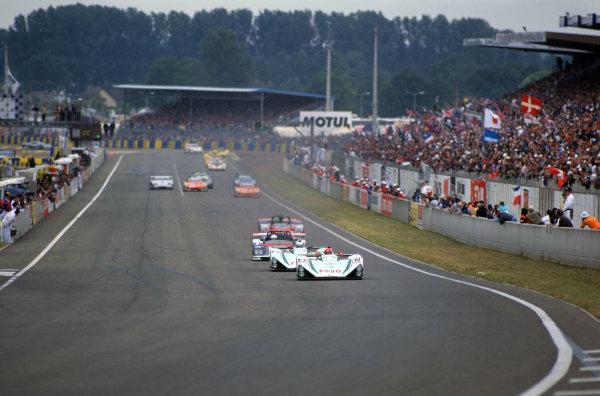 1995 Le Mans 24 Hours. Le Mans, France. 17th - 18th June 1995. Patrick Gonin/Pierre Petit/Marc Rostan (WR LM94), retired,  leads  William David/Jean-Bernard Bouvet/Richard Balandras (WR LM94)), retired, action.  World Copyright: LAT Photographic. Ref:  95LM28
