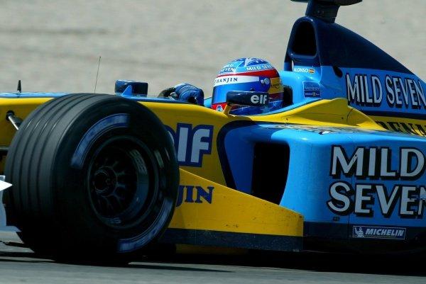 Fernando Alonso (ESP) Renault R202 Test DriverFormula One Testing, Valencia, Spain 10 July 2002DIGITAL IMAGE