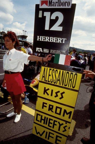 Grid girl for Alessandro Zanardi (ITA) Lotus. Belgian Grand Prix, Spa-Francorchamps, Belgium, 29 August 1993.