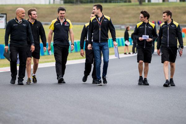 2017 FIA Formula 2 Round 7. Hungaroring, Budapest, Hungary. Thursday 27 July 2017. Oliver Rowland (GBR, DAMS) and Nicholas Latifi (CAN, DAMS).  Photo: Zak Mauger/FIA Formula 2. ref: Digital Image _54I0018