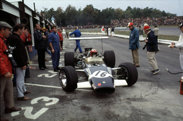 1968 United States Grand Prix.Watkins Glen, New York, USA.4-6 October 1968.Jo Siffert (Lotus 49B Ford) 5th position.Ref-68 USA 44.World Copyright - LAT Photographic