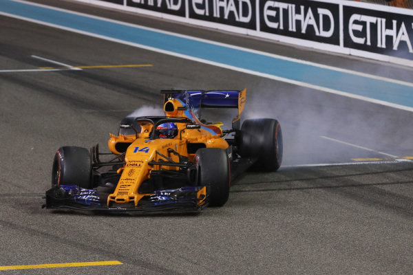 Fernando Alonso, McLaren MCL33, celebrates his F1 retirement with donuts after the race