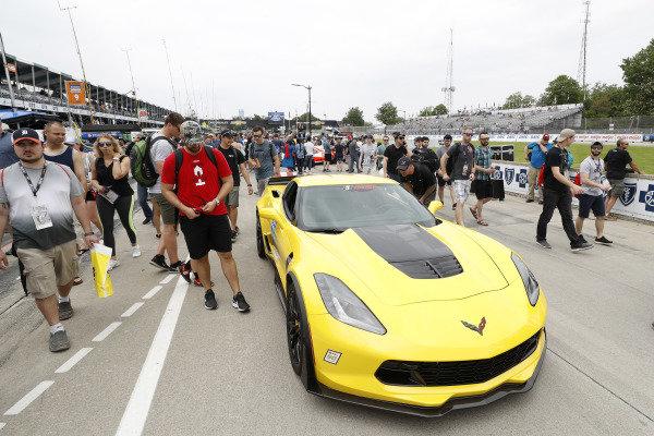 grid, fan walk, Corvette Pace Car